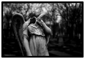 Beheaded angel by Yoth81