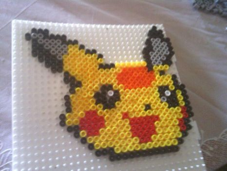 A hama beads of Picachu by Contxu