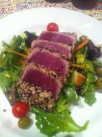 Tuna Steak Salad by Shadowbeard