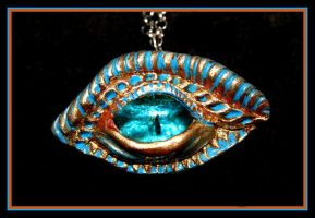 Saphira's eye by zelenaneman