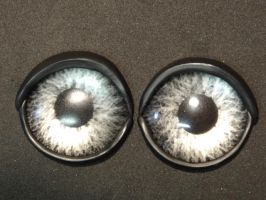 Painted silver/grey eyes by DreamVisionCreations