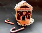 Miniature Gingerbread House II by sonickingscrewdriver