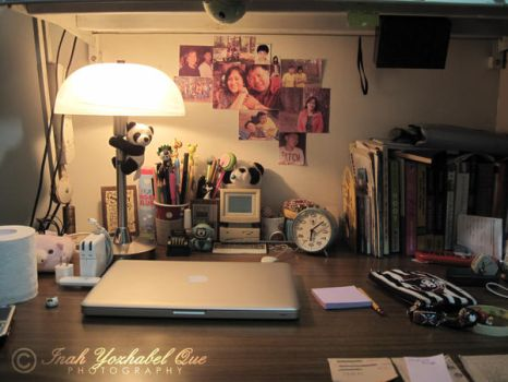 DESK by inahque
