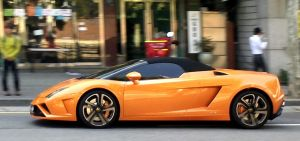 Speeding Gallardo by toyonda