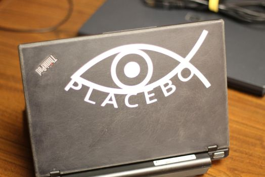 Through the distorted lense I see a screen by ctageo