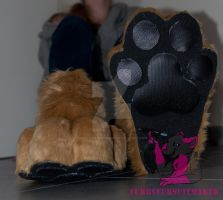 Leeuws paws - commission by FurryFursuitMaker