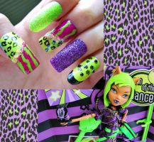 Clawdeen Wolf Nails by ZeeaDarling