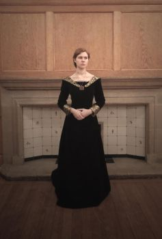 Elizabeth Woodville Costume Front by Yazzzle