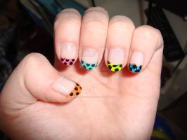 French rainbow dot nail art by dittejochumsen