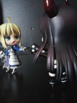 Saber vs black gold saw by rawrimaowl