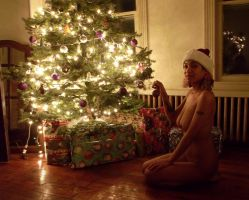 A Bettie Page Christma Tribute with Oona deSade by RusstheRab