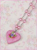 Cake necklace by decoland
