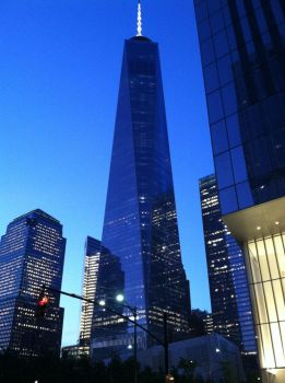 Freedom Tower - Night by Fajolras