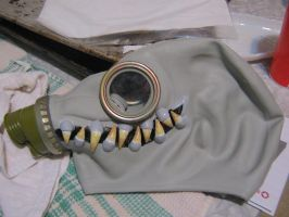 toothy mask by GasMaskMonster
