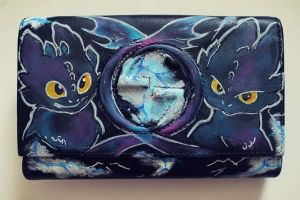 Toothless handpainted purse by dinamia93