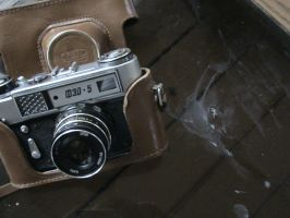 Old camera by Mary-Alice29