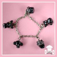 Black dot Bracelet by NiqiNasomi