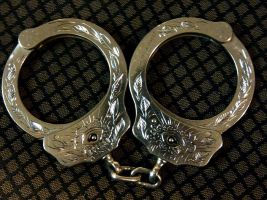 hand cuffs by blksun