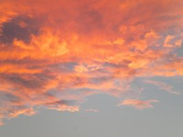 Sunset clouds by montmartre96