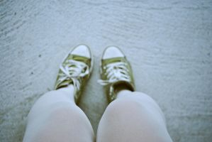 Knees of a Converse girl by LeaLion