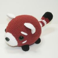 Roscoe the Red Panda by Heartstringcrochet