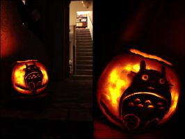 Halloween 2009  Totoro Pumpkin by jtgraffix