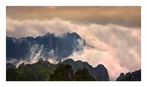 Surreality - Huangshan Light by fr1gidity