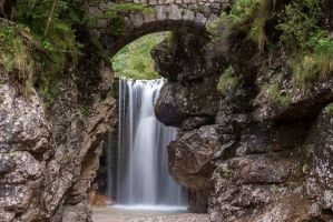 Repepeit's waterfall (2) by Miccighel