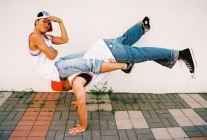 Bboy balance by MoneyLe