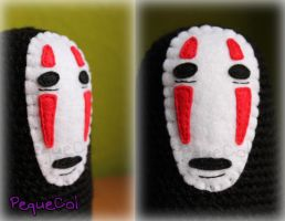 No-Face Chihiro (detalle) by PequeCol