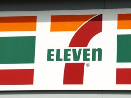Contrasting Color - 7-Eleven by omniferous