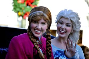 Anna and Elsa's Smiles by BellesAngel