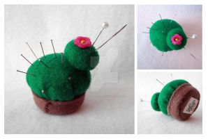 cactus pincushion by LoRi-La-Tortuga