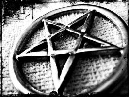 Another pentagram by mg1706