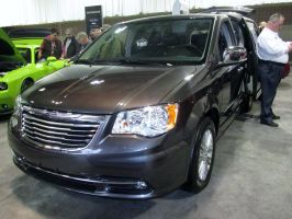 (2015) Chrysler Town And Country by auroraTerra