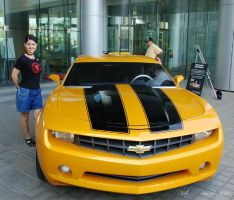 Me and Bumblebee by ladylucrezia