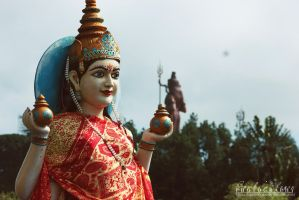 Statue I by BambisLogic
