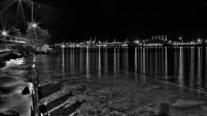 Black And White Bay of Grain by RyoThorn