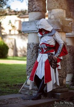 Ezio Auditore Cosplay - Taking a rest by 6Silver9