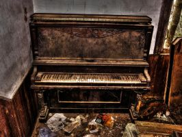 Piano by Stone1980