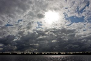 Beaucoup clouds by Vrijdags