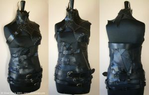 Fetish female drow armour by Lluhnij