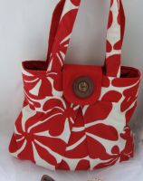 pleated handbag red by gingerlyspic