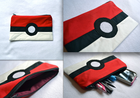 Pokeball Zipper Pouch by lemontuned