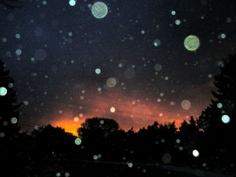 Orbs Fill the Dying Sky by Nessaka
