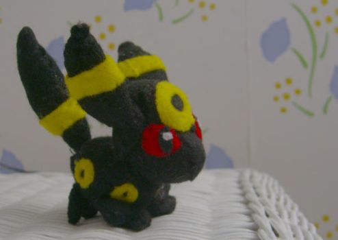 Mini Umbreon by intrepidThrough
