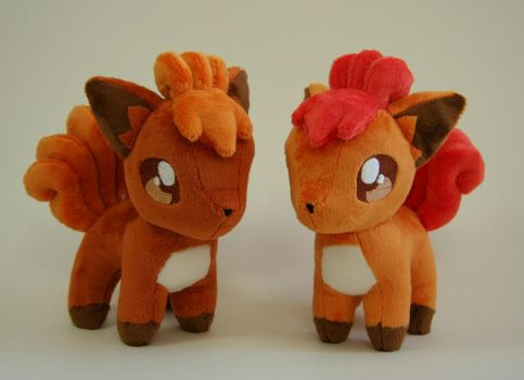 Vulpix chibi plushies by Yukamina-Plushies