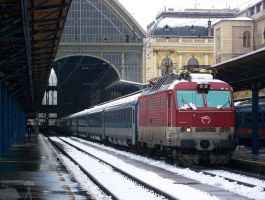 Zssk 350 018-8 with Hungaria EC in Budapest by morpheus880223