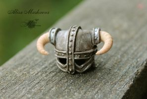 Miniature Dovahkiin's helmet from polymer clay by Krinna