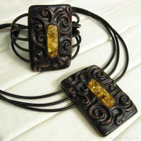 Wood and Amber jewelry set by AmberSculpture
